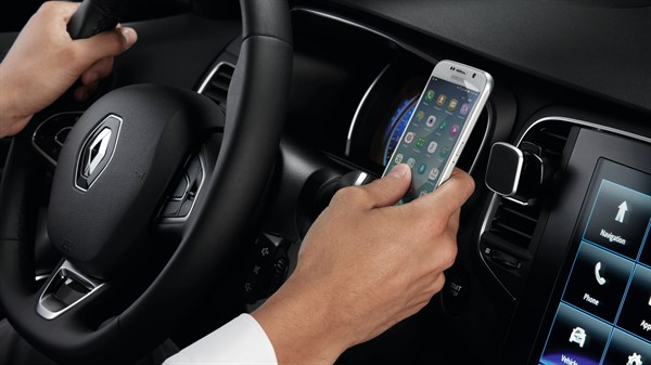Renault MEGANE Sedan - Magnetic portable smartphone holder